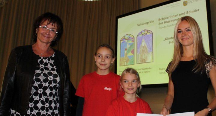 Sachsens Kultusminister Christian Piwarz zeichnet Grundschule Mylau mit dem Sächsischen Landespreis für Heimatforschung 2018 aus